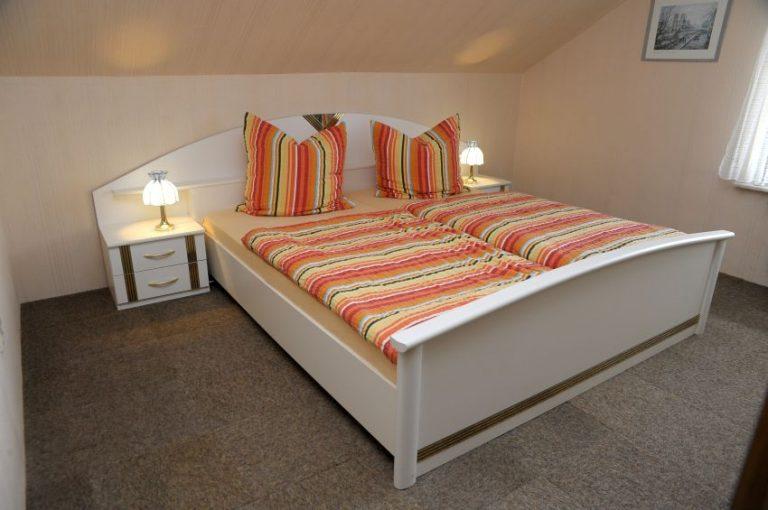 Naumann-W1-Schlafzimmer(1)