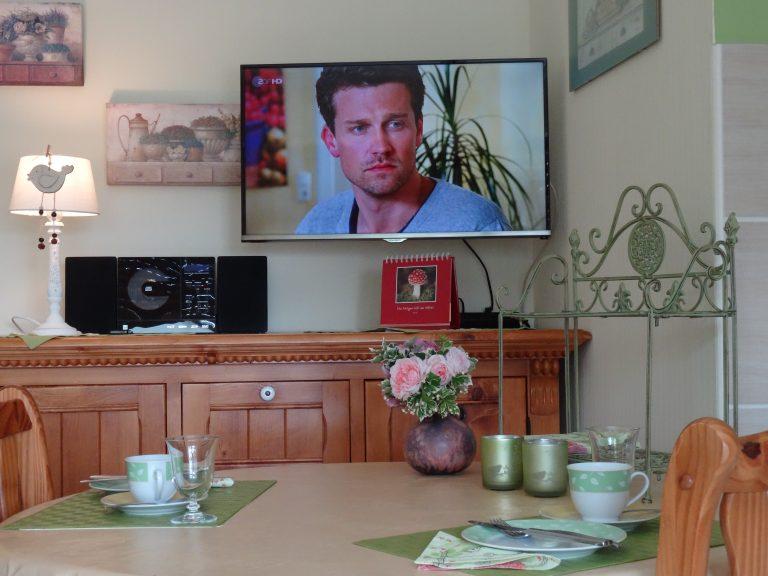 Fewo II, Decker neuer Fernseher 32 Zoll
